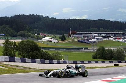 Austrian GP: Nico Rosberg sets pace, Sebastian Vettel has problems