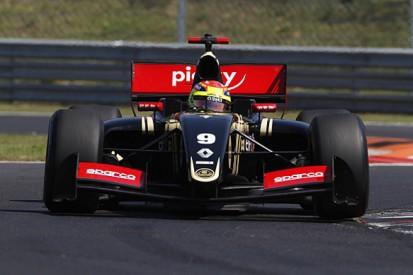 Hungaroring FR3.5: Lotus F1 protege Matthieu Vaxiviere takes pole
