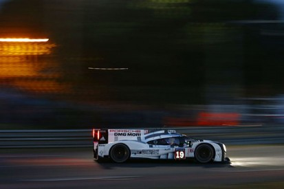Le Mans 24 Hours: Tandy extends #19 Porsche lead in 11th hour