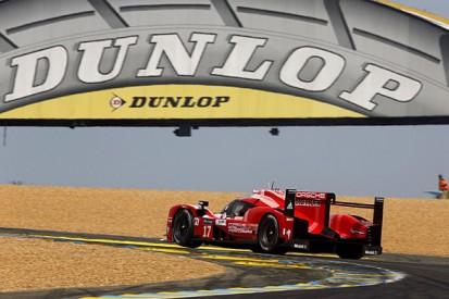 Le Mans 24 Hours: Porsche still leads after long safety car period
