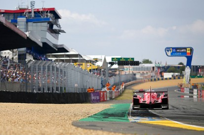 Le Mans 24 Hours: Porsche's Brendon Hartley keeps Audis at bay