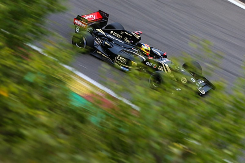Spa FR3.5: Matthieu Vaxiviere fastest in free practice