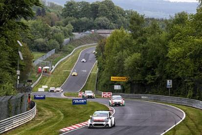 WTCC Nordschleife: Yvan Muller wins race two in tense finish