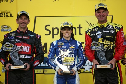 NASCAR All-Star: Greg Biffle and Clint Bowyer win Showdown races