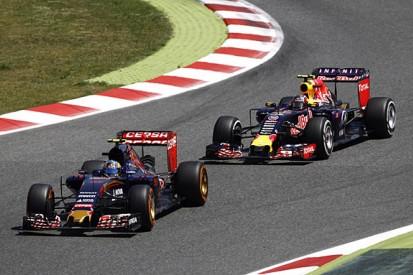 F1: Sainz Jr and Kvyat escape penalties after Spanish GP clash