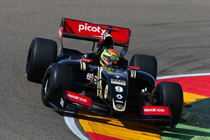 Aragon Formula Renault 3.5: Lotus's Vaxiviere tops Friday practice