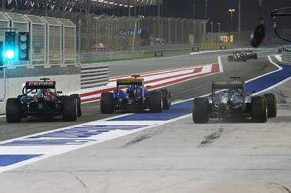 Bahrain GP F1: Kimi Raikkonen gets reprimand for pit incident