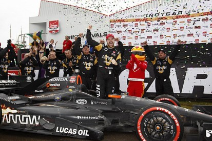 NOLA IndyCar: Schmidt's James Hinchcliffe wins with strategy gamble