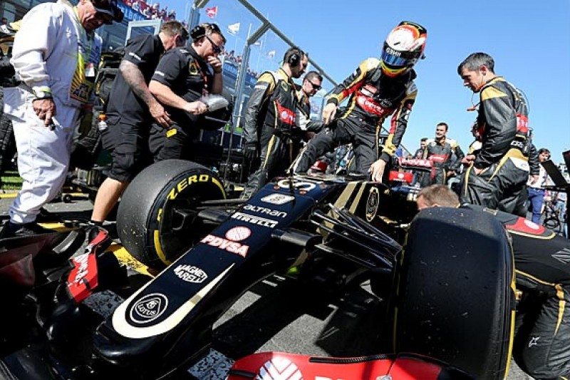 Lotus F1 team makes changes to E23 after problems in Australian GP