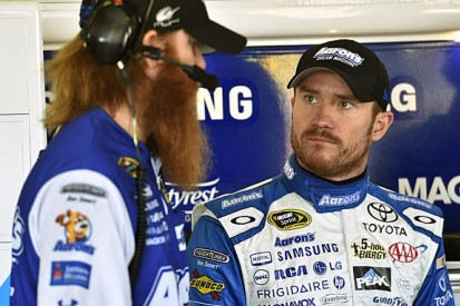 NASCAR: Brian Vickers sidelined by blood clots again