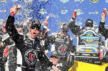Phoenix NASCAR: Kevin Harvick takes second straight victory