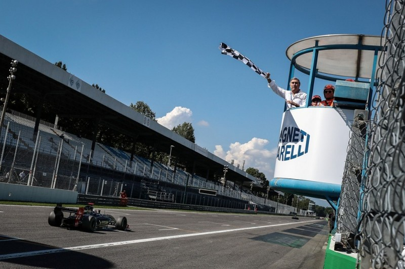 Rene Binder wins Monza FV8 3.5 after Roy Nissany is penalised