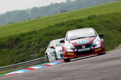 Thruxton BTCC: Civics of Goff and Shedden top practice sessions