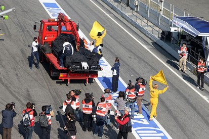 Barcelona F1 test: Wolff and Nasr dispute 'stupid' crash