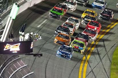Daytona 500: Earnhardt, Johnson win Duels ahead of NASCAR opener