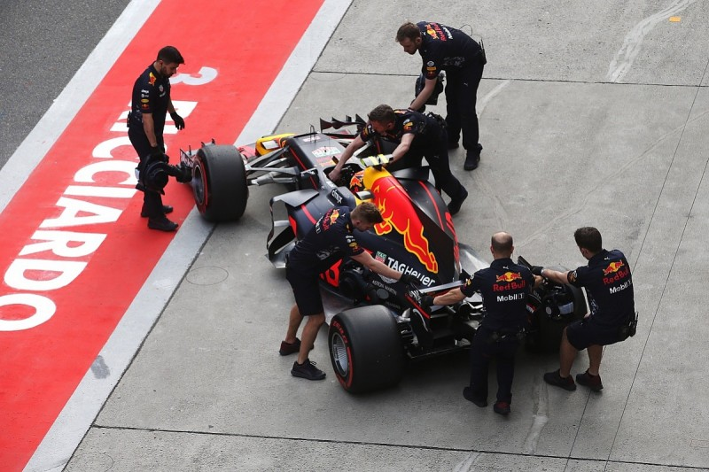 Max Verstappen out in Q1 at Chinese GP after F1 engine misfire