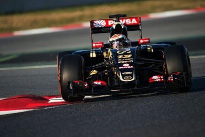 Barcelona F1 test: Maldonado fastest, Wolff and Nasr collide