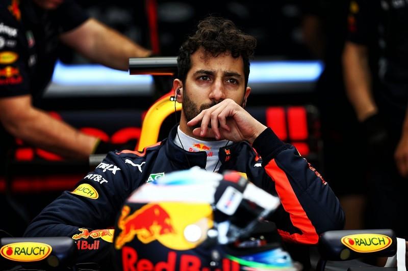 Australian GP: Daniel Ricciardo grid penalty after gearbox change