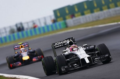 Red Bull's Daniel Ricciardo tips McLaren as dark horse for F1 2015