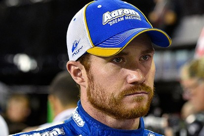 NASCAR driver Brian Vickers cleared to return to racing
