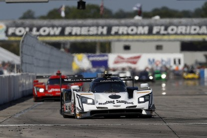 Sebring 12 Hours: Cadillac 1-2 at halfway stage of the race