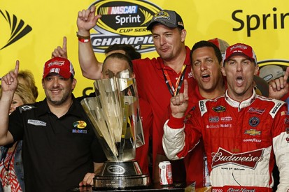 NASCAR Cup champion Kevin Harvick to keep Tony Stewart's crew