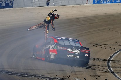 NASCAR Cup Las Vegas: Truex wins after late problem for Keselowski