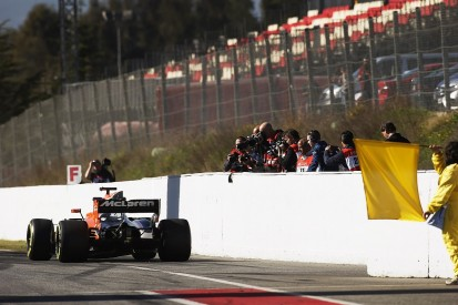 F1 testing: McLaren to fit new engine after Honda electrical issue
