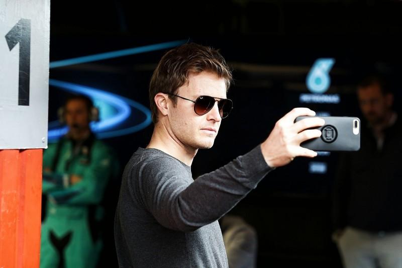 F1 TV networks should not resist social media freedom – Horner