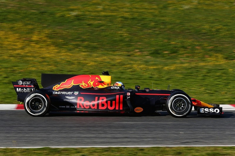 Formula 1 teams warned FIA about shark fin loophole in 2017 rules