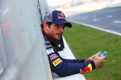 Toro Rosso F1 driver Sainz surprised by top teams' testing mileage