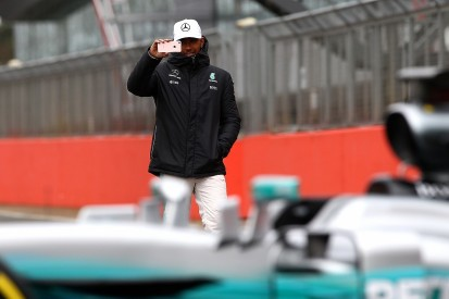 Lewis Hamilton wants more social media freedom on F1 weekends