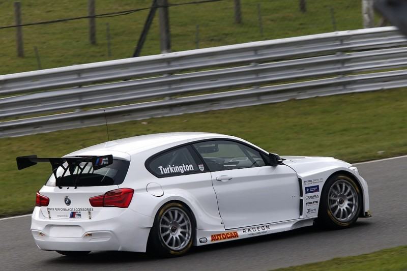 BTCC 2017: Turkington turns first laps back in WSR BMW