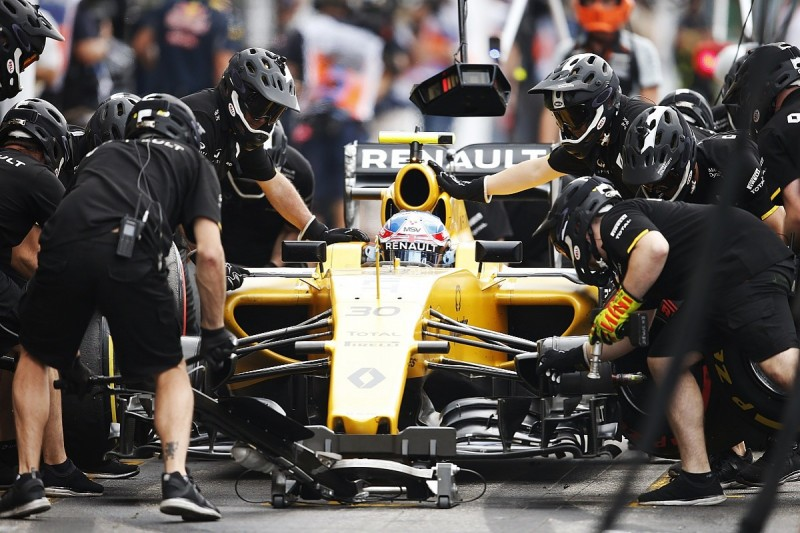 Renault could reduce size of F1 engine team in France during 2017
