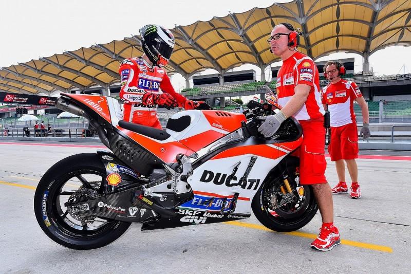 Sepang MotoGP test: Ducati's Lorenzo surprised by tough start
