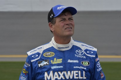 Michael Waltrip to retire from NASCAR after 2017 Daytona 500