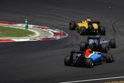 F1 steward Derek Warwick wants blue flags scrapped, penalties cut