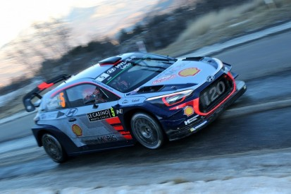 Neuville extends Monte Carlo Rally lead over Ogier to a minute