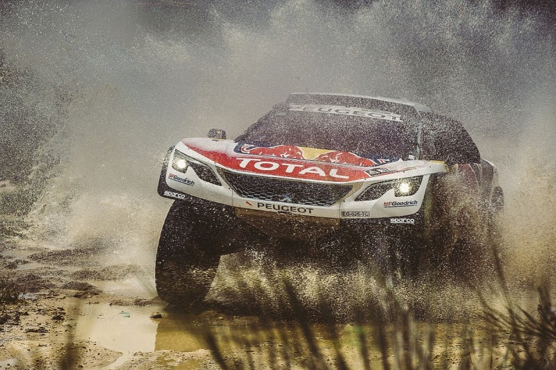 Sebastien Loeb: Beating Toyota on 2017 Dakar 'complicated'