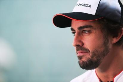 Fernando Alonso tells McLaren staff he's staying in 2017