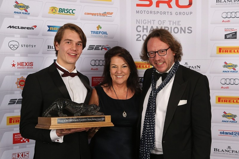 Inaugural Sean Edwards Trophy awarded to Jules Szymkowiak