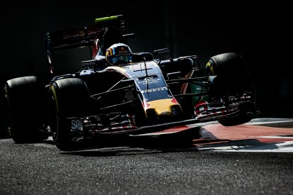 Toro Rosso can't be sure F1 tyre dramas fixed - Carlos Sainz