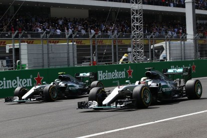 Rosberg and Hamilton make identical tyre choices for F1 season finale