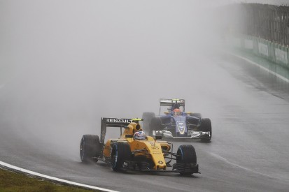 Jolyon Palmer 'couldn't see' in Brazilian GP F1 clash with Kvyat