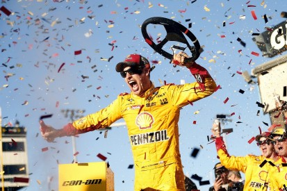 Phoenix NASCAR: Joey Logano wins, Kyle Busch seals final Chase spot