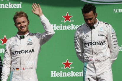 Hamilton: Losing F1 title to Rosberg would be 'hard to swallow'