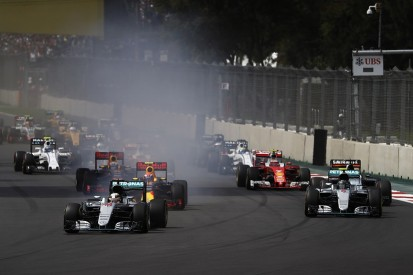 Lewis Hamilton wins Mexican GP to keep F1 title battle alive