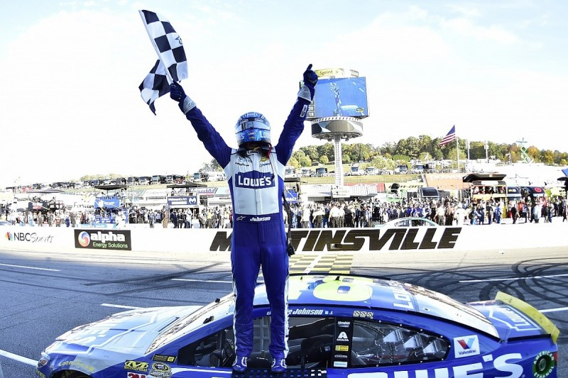 Jimmie Johnson books NASCAR title shot with Martinsville win