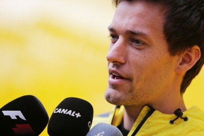 Jolyon Palmer amazed by F1 chassis damage from 'little' kerb bounce