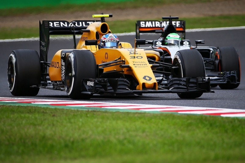 Renault F1's Palmer feels immense pressure to save seat in 2017